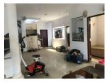 Jual Rumah di Cempaka Putih Timur Jakarta Pusat - 3 Lantai - 4+1 Kamar Tidur - Unfurnished