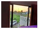 View Sawah dari jendela kamar